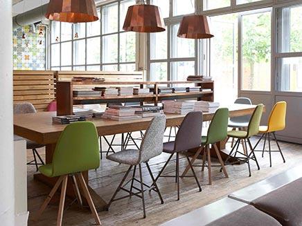 Spoinq square staal em kantoorinrichting for Eettafel stoelen cognac